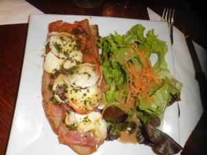 París en dos días Tosta en Le Pause Beaubourg