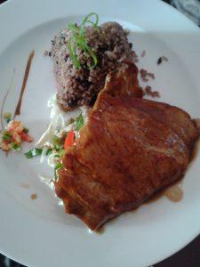 Cerdo cubano con arroz moro