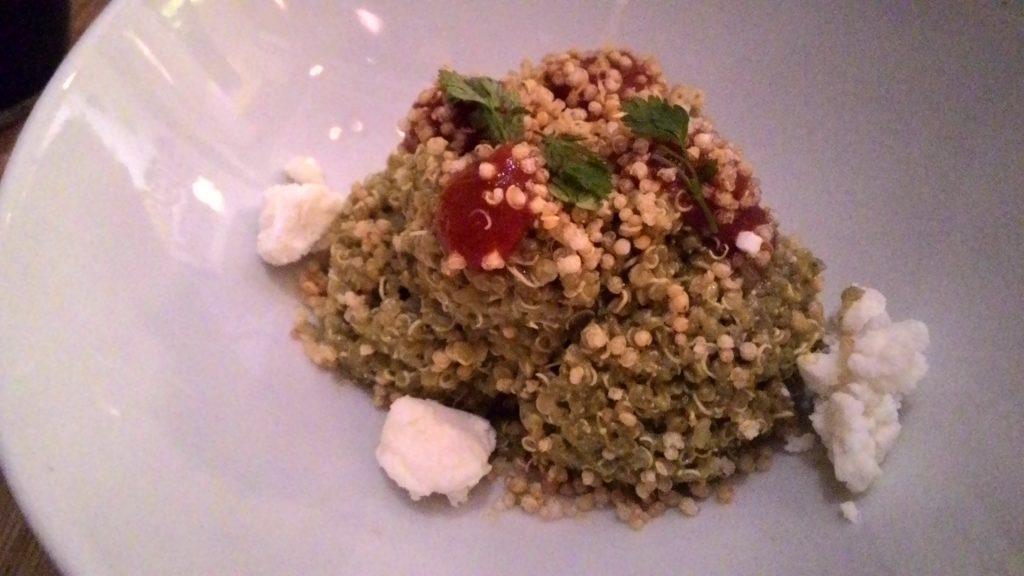 Ochenta Grados ensalada-de-quinoa-tomate-y-queso-de-cabra-con-pesto-de-pistachos