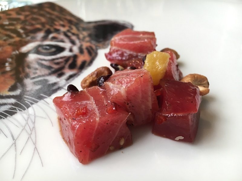 Poke de Atun Rojo con anacardos y arroz salvaje