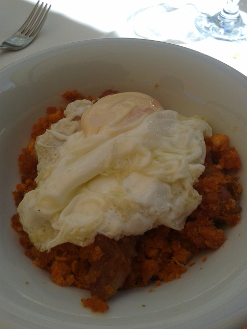 Patones Migas con huevo frito