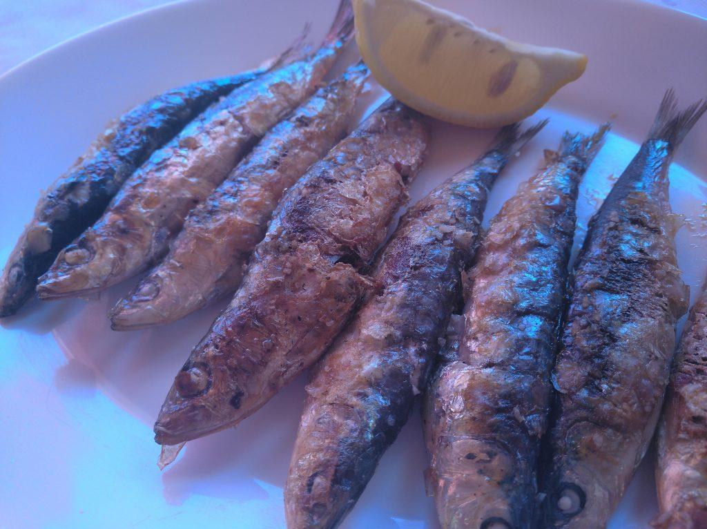 sardinas a la plancha en Restaurante Rosita en cala de la Granadella