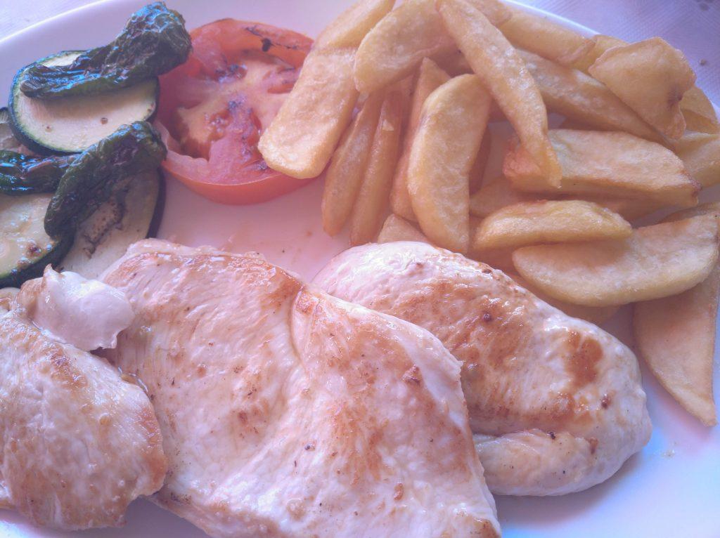 pollo en Restaurante Rosita en cala de la Granadella