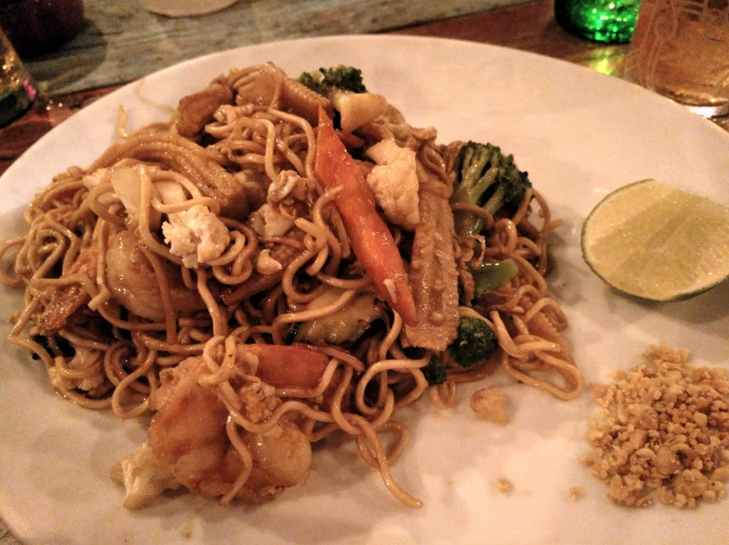 pad thai en restaurante tailandés Monsoon Thai