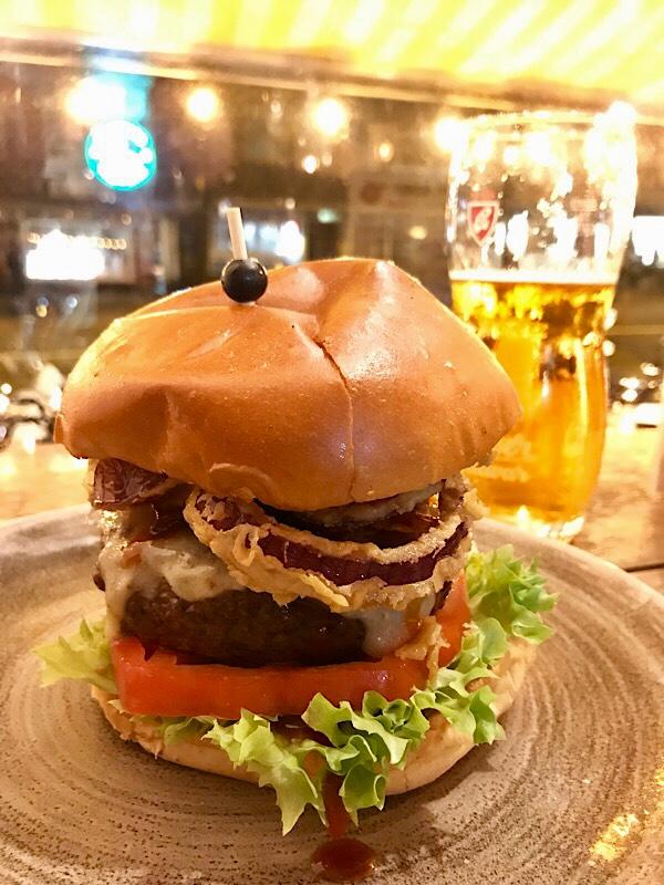 AmsterdamTexas Burger Happy Bull