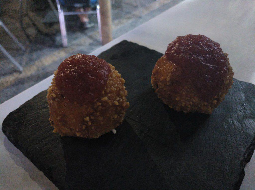 Bolitas de queso en Taberna Mediática