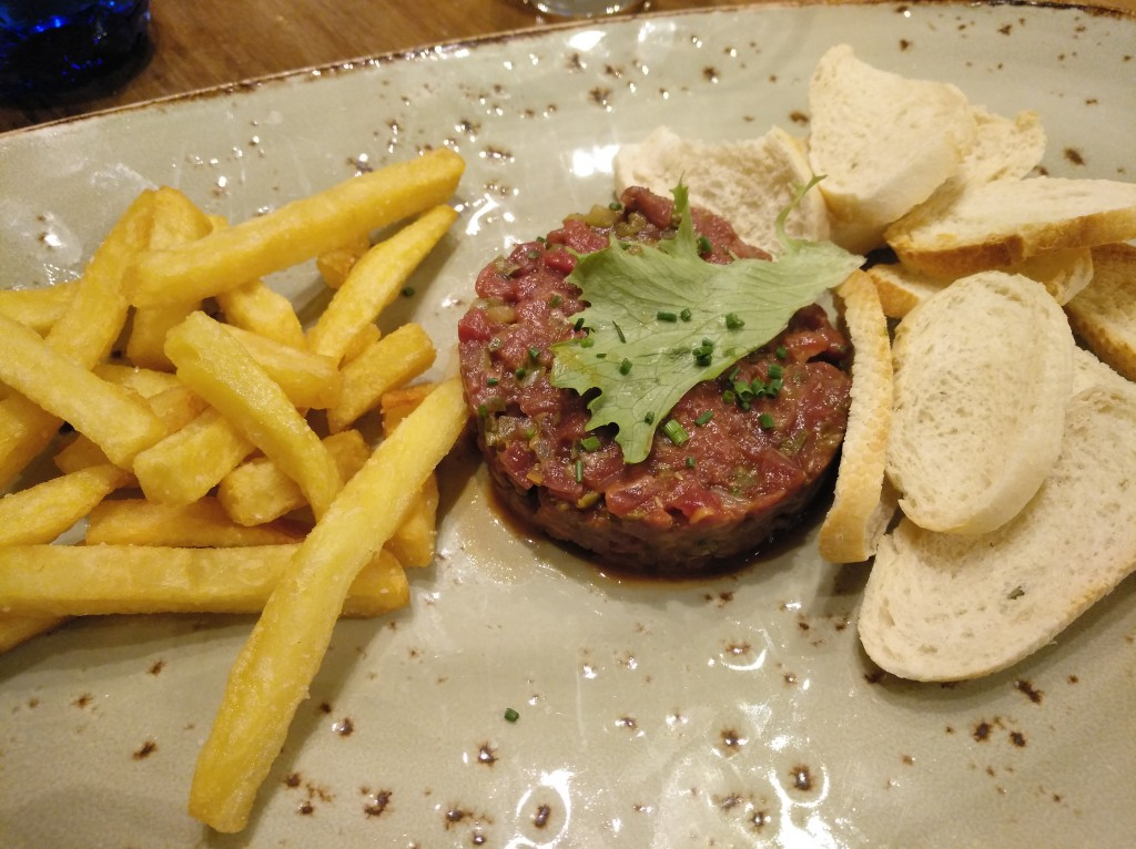 steak tartar con salsa chipotle El Columpio