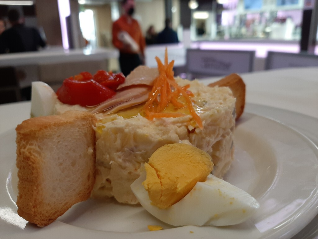 Comer en Becerril Ensaladilla