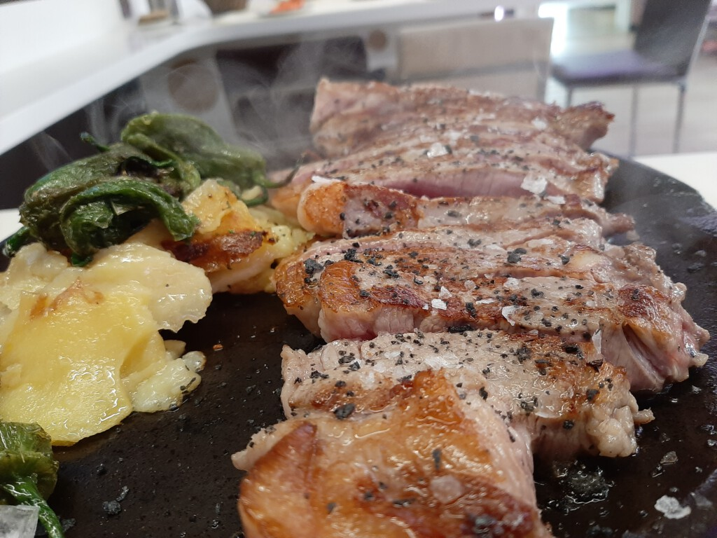 Comer en Becerril de la Sierra Carne a la brasa